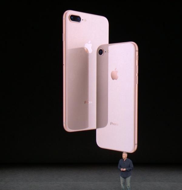 تقارير تؤكد خفض آبل لإنتاج هواتفها آيفون 8 و8 بلس نظرا لضعف الإقبال Electronic Products Earbuds Apple