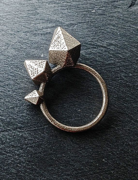 Geometric 3D printed stainless steel ring by Mbddesign