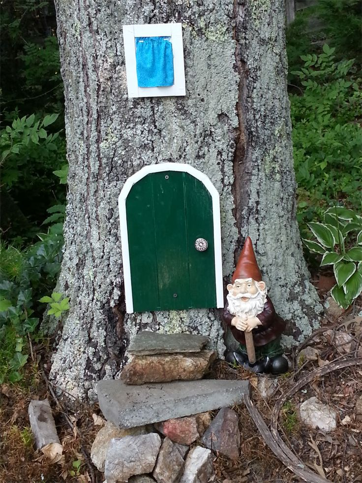 29 best images about gnome doors on pinterest trees for Gnome doors for trees