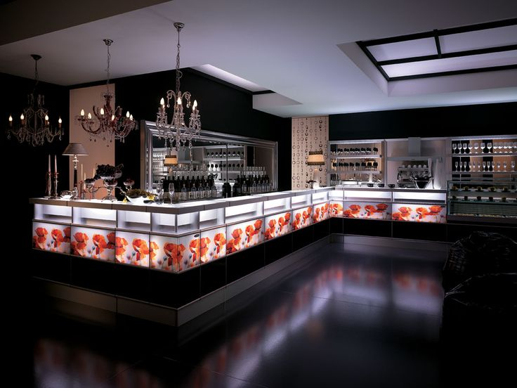 Banco bar Strip Fashion con piano di servizio e pannello frontale in vetro opalino temprato. Bancalina di servizio in acciaio inox con finitura tela di lino