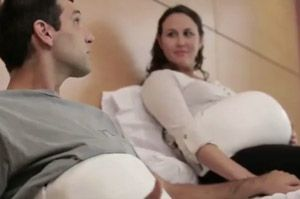 'Pregnancy Band' allows dad to feel baby's kicks. #pregnancy #baby #dad