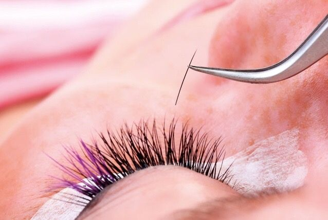 Implant 25-50 eyelashes in the upper eyelid and earn $5.000 for each eye in a simple non invasive 2 h procedure , but know 1st : The risks and side effects of eyelash transplants