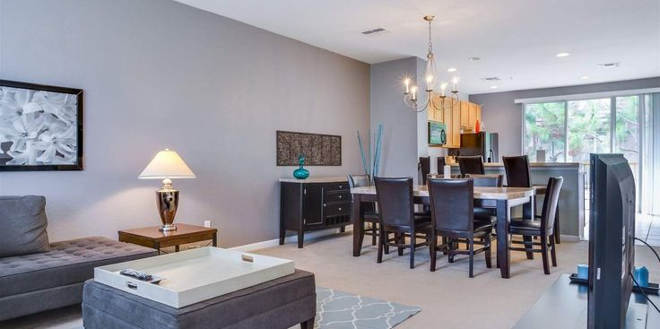 #Orlando is one of the best known #Tourist #Destinations in the world because it is home some of the finest tourist attractions. http://www.orlandoluxuryescapes.com/vacation-rentals/vista-cay-resort-deluxe-townhomes-3-bedroom-3-5-baths/oasis-escape-townhome.htm