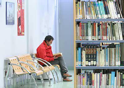 La Biblioteca Pública de León, pionera en el préstamo público de ebooks http://www.revcyl.com/www/index.php/cultura-y-turismo/item/717-la-biblioteca-p%C3%BAblica-de-le%C3%B3n-pionera-en-el-pr%C3%A9stamo-p%C3%BAblico-de-ebooks