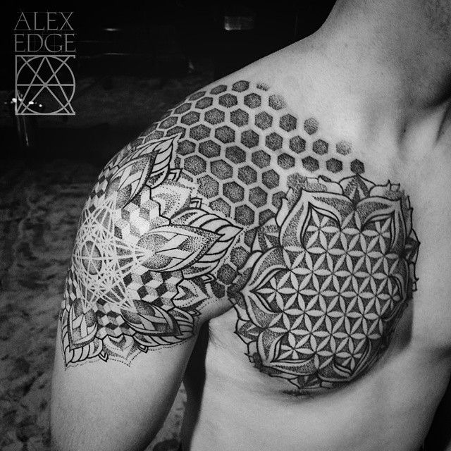 13 best images about geometric tattoos on pinterest sternum tattoo tattooed girls and sleeve. Black Bedroom Furniture Sets. Home Design Ideas