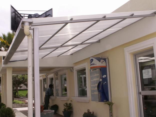 Los techos de policarnato son una forma práctica y económica para techar Los techos de policarbonato, son uno de los métodos de techado más utilizados en l