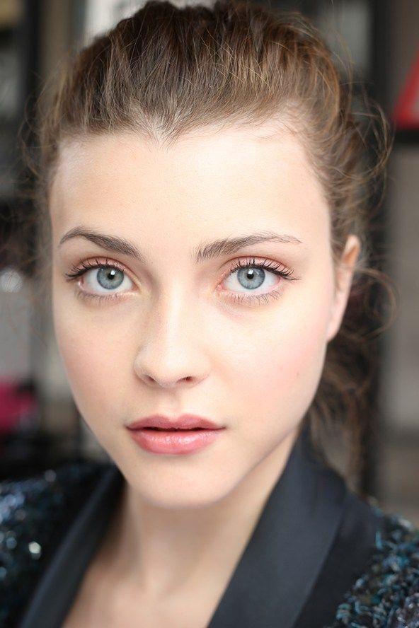 Chanel Make- up: 11am - Natural Beach Make-Up.
