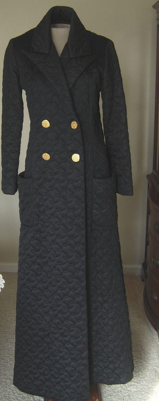 Vintage Black Vanity Fair Long Quilted Robe w. Leopard Print Lining