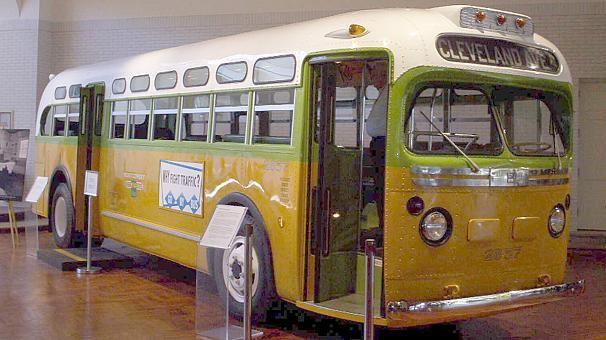 Se cumplen 60 años del día que Rosa Parks se negó a ceder su asiento y cambió la historia