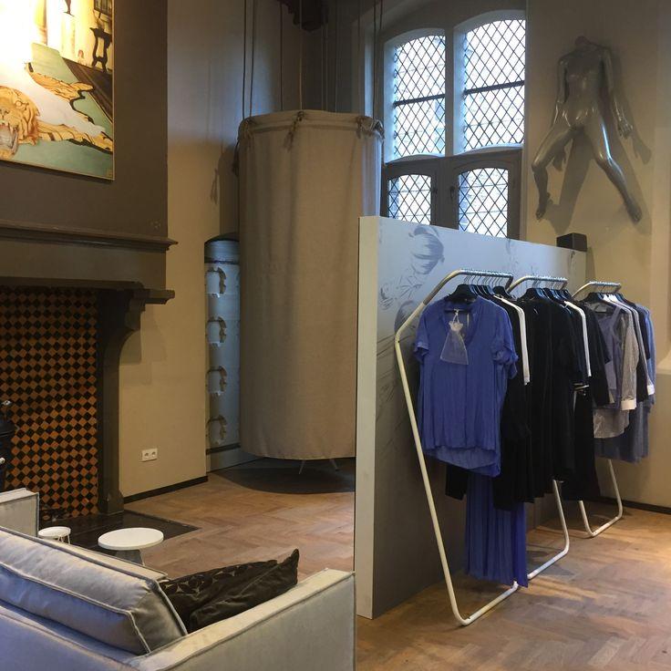 @JMDinterieurarchitectuur    @BijGiel Zwolle winkel voor dameskleding #interieur #advies #ontwerp #styling #coördinatie #realisatie