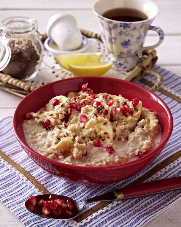Unser beliebtes Rezept für Porridge mit Granatapfel und Leinsamen und mehr als 55.000 weitere kostenlose Rezepte auf LECKER.de.