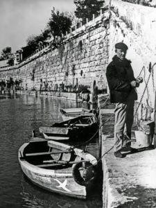 Barqueros en el Guadalquivir hasta los años 70 del siglo pasado.