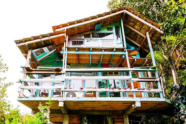 A visual artist called Jaime built an enchangting home in Brazil made entirely from demolished houses in the area called Cabana Floripa.