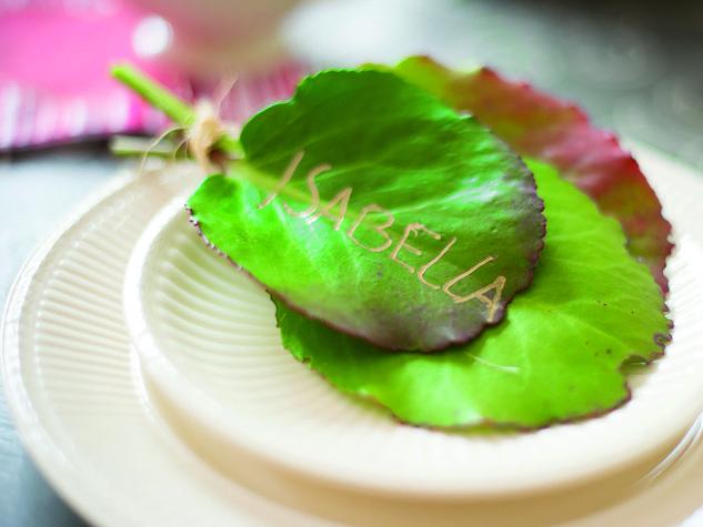 Segnaposto con le foglie: come apparecchiare la tavola