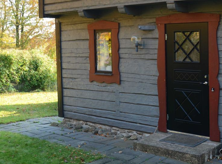 Satie ytterdør fra Swedoor passer perfekt til en hytte.
