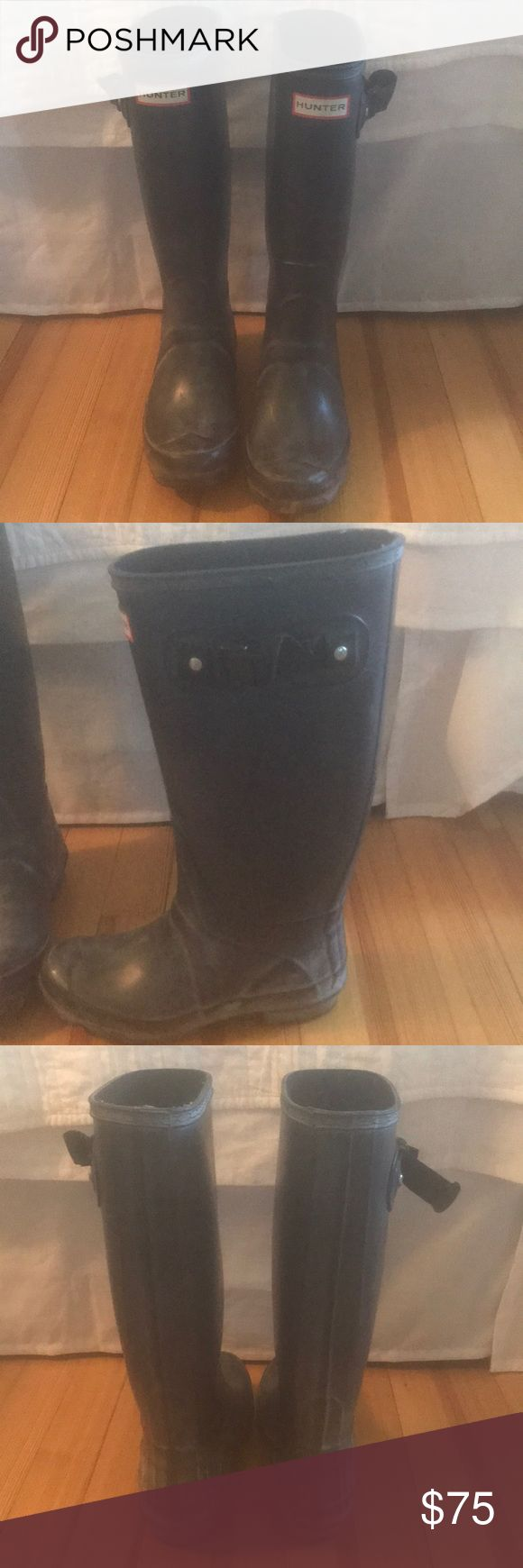 Hunter wide calf rain boots! Black wide calf hunter rain boot. Previously bought off Poshmark, but too big for me 😕. Great condition!!! Hunter Shoes Winter & Rain Boots
