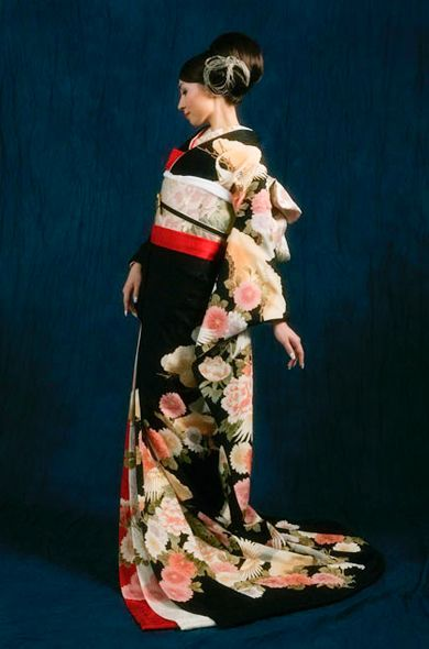 桂由美 和装 Yumi Katsura / Kimono 引き振袖(牡丹に松飛鶴) 3枚重ね