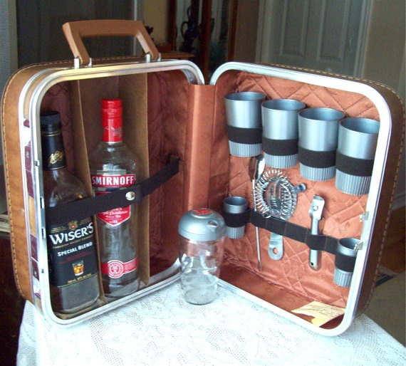17+ Images About Mini Bar Ideas On Pinterest