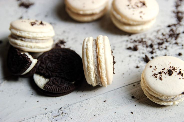 Oreo Macarons - Confessions of a Confectionista