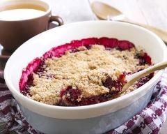 Crumble aux prunes http://www.cuisineaz.com/recettes/crumble-aux-prunes-58611.aspx