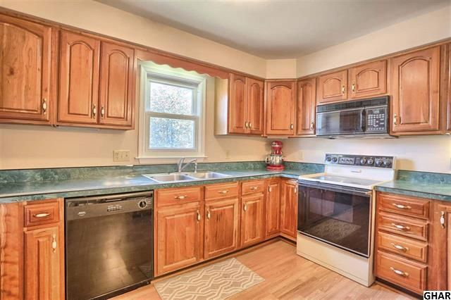 This spacious home in Mechanicsburg Borough offers many options indoors and out for family living and entertaining. Eat-in kitchen with breakfast bar and pantry. First-floor laundry. Large deck and yard. Finished attic could be 4th bedroom or game room. Freshly painted and new carpet in 2014. http://www.rsrrealtors.com/news/869/spacious-home-in-great-location-mechanicsburg-borough #newlisting #realestate #mechancisburg