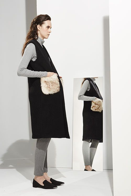 Zelle Studio | In Time | Ciara - Sleeveless Coat With Faux Fur Pockets