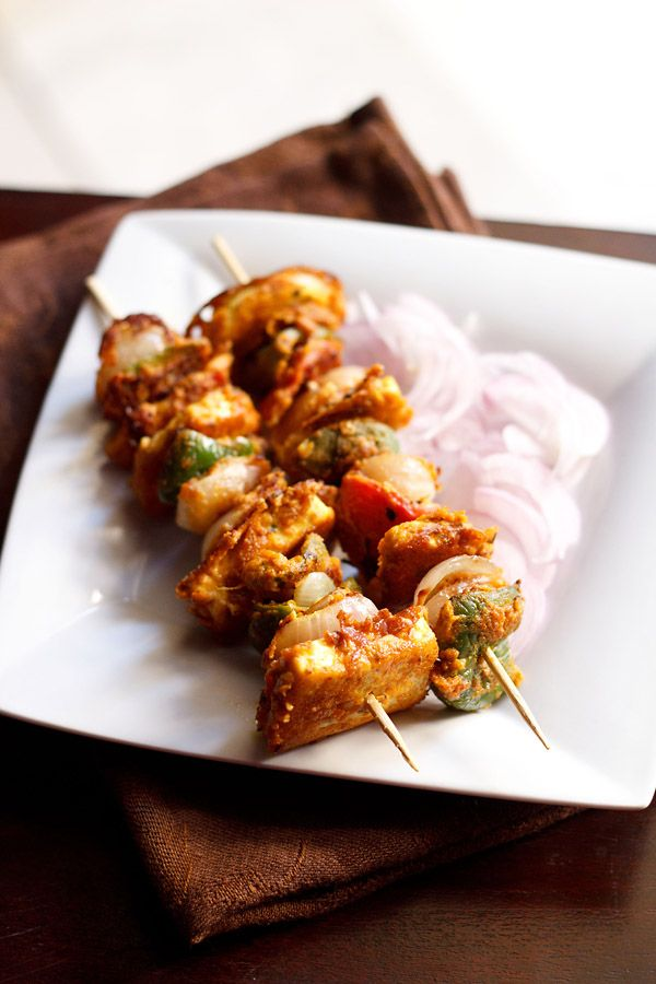 paneer tikka recipe on stove top or tawa with step by step photos. tawa paneer tikka made on gas stove & without oven. i have used both non stick and iron tawa.