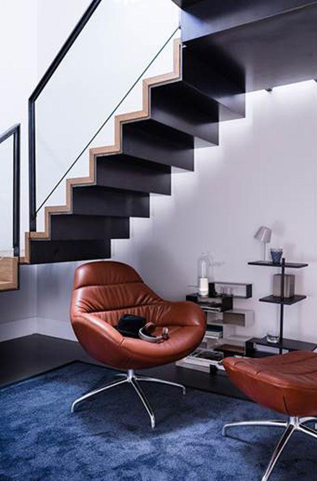 #Design on Stock #draaifauteuil Nylo  Nylo is een #draaifauteuil met organische vormen, een strak vormgegeven buitenzijde, een nonchalant gestoffeerde binnenkant en uitstekend zitcomfort.  Meer informatie over #design #meubelen? :http://www.wonenwonen.nl/design-meubelen/design-on-stock-draaifauteuil/9834