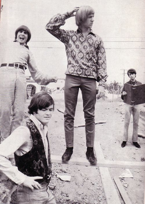 The Monkees 1966 outdoor romp (outside and around the Raybert soundstages) that produced the cover of their Daydream Believer single! | Monkees Monthly, June 67.