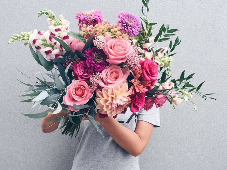 LU DIAMOND FLOWERS   bouquet with zinnias!!