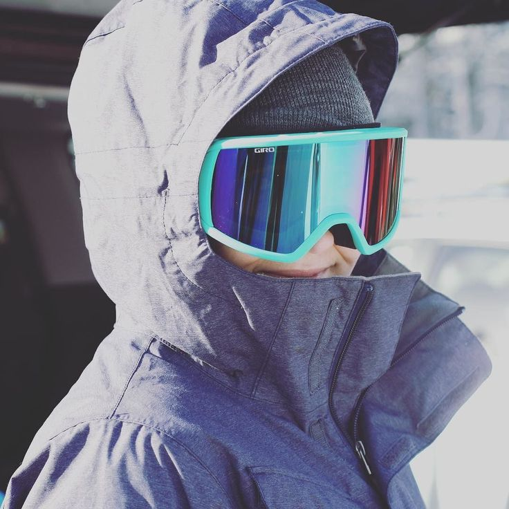 How to feel cool: new turquoise goggles. #giro #goggles #snowboard