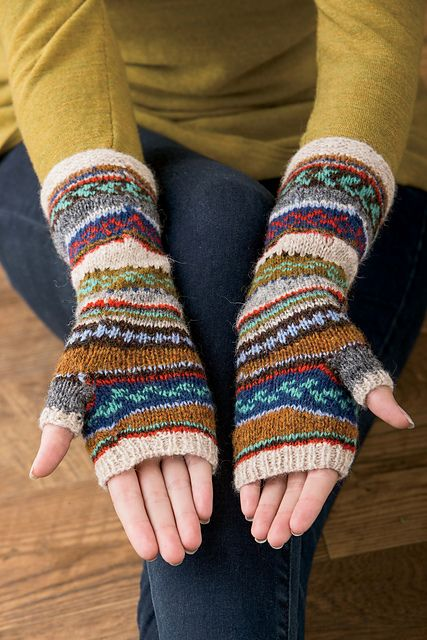 Ravelry: Tilting Fair Isle Mitts and Hat pattern by Mary Gehling Yarn: http://shop.happyknits.com/products/simply-shetland-spindrift