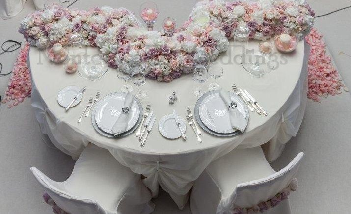 A table for two, be abundant with the flowers! Wedding by Monte-Carlo Weddings