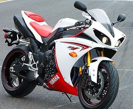 Yamaha YZF R1 Specification & Price In India
