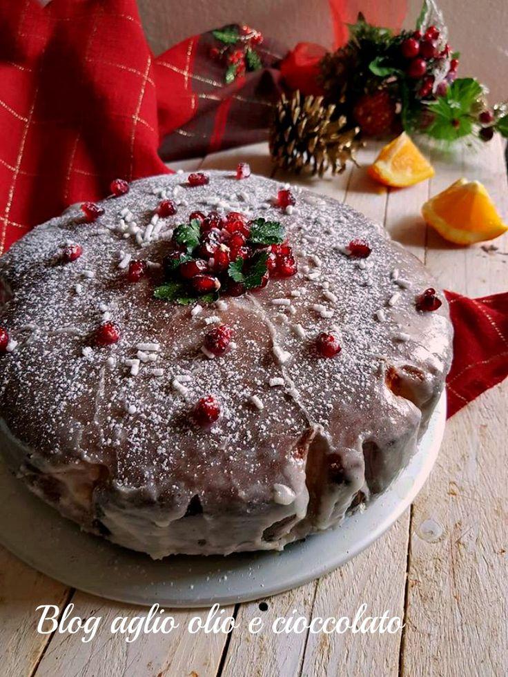 La torta all'arancia di natale, è un dolce semplicissimo e d'effetto, particolarmente profumata grazie alle arance e al loro succo