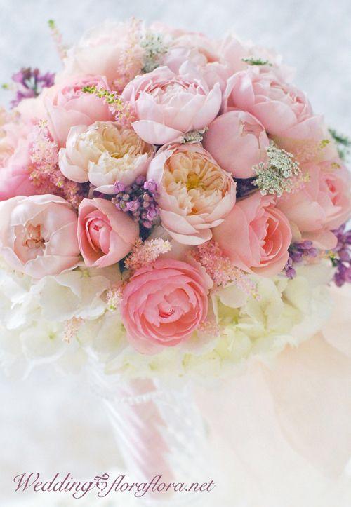 """バラ""""ピンクフェアビアンカ"""" 砂糖菓子のようにスイートなラウンドブーケ Sweet bridal bouquet *Rose Pink fair bianca FLORAFLORA*precious flowers*ウェディングブーケ会場装花&フラワースクール*"""