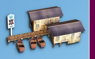 Marklin start up 	 Boathouses with dock and three boats (H0)