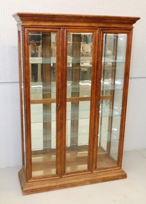Display Case Having Two Gl Front Doors With Metal Pulls And Four Removable Shelves Rox 47 5 X 15 76 T