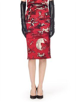 A ruby balloon toile de Jouy slim pencil skirt from Oscar de la Renta was inspired by 18th Century French paintings...