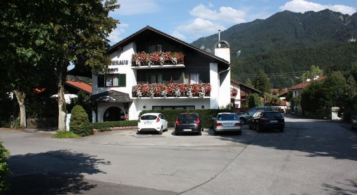 Hotel Garni Gästehaus-Egner Kochel This charming, non-smoking and allergy-friendly guest house is situated in the picturesque village of Kochel am See, a short stroll from the centre and close to the Kochelsee lake (800m). Free WiFi access is available.