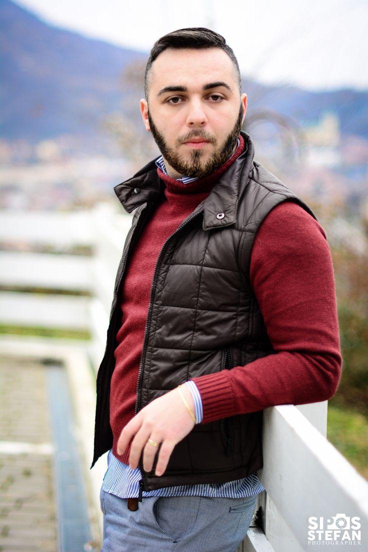 ' Omul nu poate să fie cu adevărat fericit, până în momentul în care este înconjurat de oamenii #potriviţi pentru el, până în momentul în care îşi exprimă propria lui #vocaţie, talentele, abilităţile şi preferinţele lui unice în viaţă ' Taloş Darius  www.talosdarius.ro