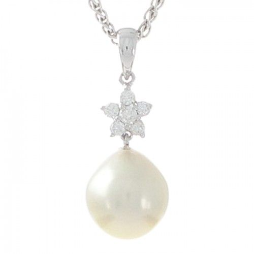 A drop-shaped white Australian Akoya pearl and diamond cluster pendant in 18ct white gold with a pearl measuring 9.6mm with a bright lustre and very few natural surface marks. The flower design and 6 round diamonds have a total weight of 0.14ct. #BrokenBay #Rutherford #Melbourne
