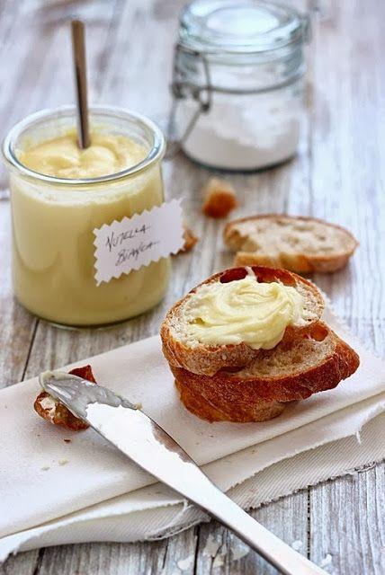 MIELERICOTTA: Nutella bianca