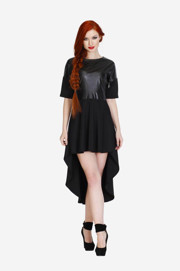 """Платье PHILIPP PLEIN. Артикул 010-010-0005. Размеры 36, 38, 40. Эффектное платье """"на выход"""" с подолом разной длины: спереди выше колена, сзади - практически в пол. Прекрасно подчеркнёт красоту ваших ног в сочетании с обувью на высоком каблуке. Замеры для размера 36: Длина изделия: спереди - выше колена (83 см), сзади - длина полная (128 см). Длина рукава: 1/2 (16 см). Примечания: Ткань верха (до пояса) - """"под кожу"""". Низ платья - ткань плотная эластичная. Стоимость 5100 руб."""