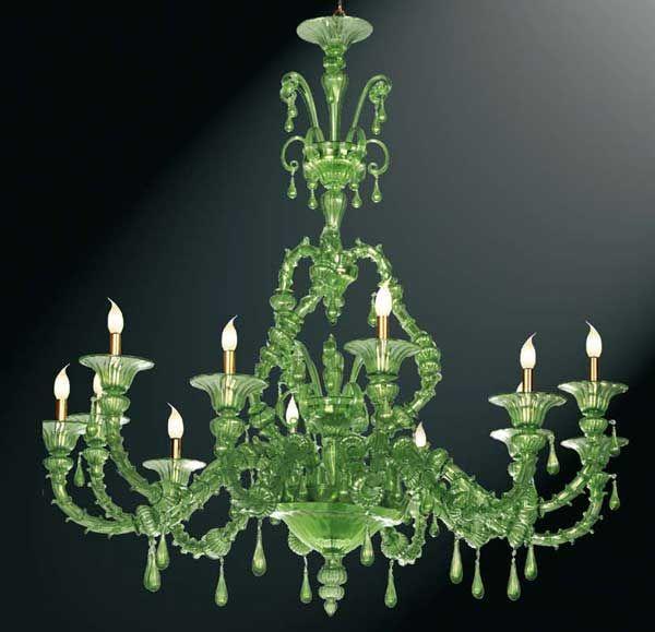 #Lampadario #rezzonico #vetro   Lampadario rezzonico in vetro verde e pendenti. H. 155 cm – ø. 140 cm Lampadario in stile rezzonico a livelli alternati con castello a torciglione