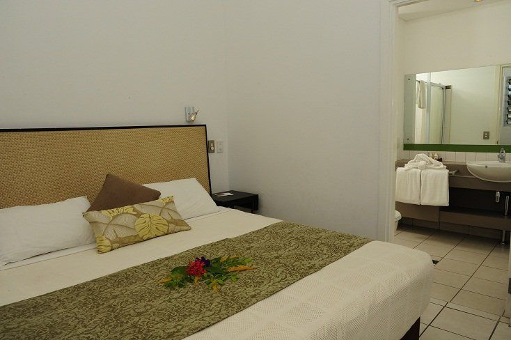 2 bedroom apartment king bed and ensuite