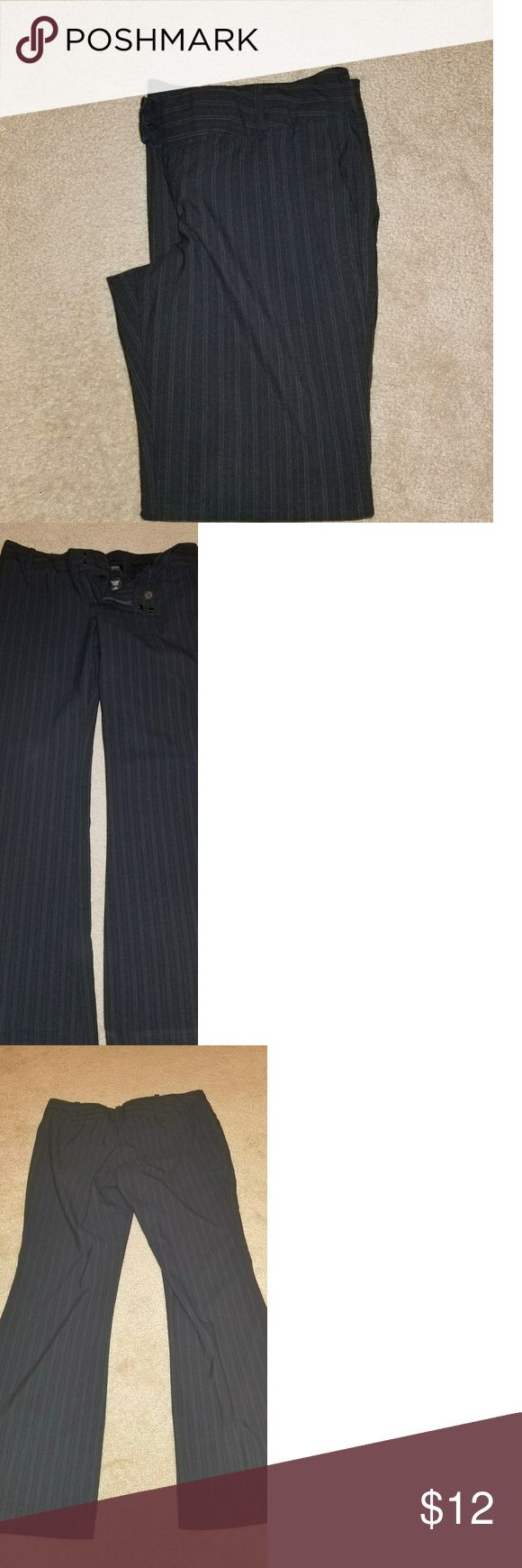 """Massimo LADIES DRESS PANTS Navy Blue pin strip Massimo Stretch, Ladies Dress Pants/Trousers. Inseam 32"""". Gently used, excellent condition. Massimo Pants Trousers"""