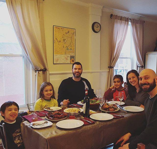 Papa presents, Lib festival. Better than Baton Rouge😁 Thank you, Papa and Costco meat肉🍖  パパ主催、我が家でリブ祭りの日。BBQソースとパイナップルソースで、コストコのお肉が柔らか〜く仕上がりました!  #肉#料理#男の料理#料理男子#コストコ#家族#カナダ#国際結婚#海外生活