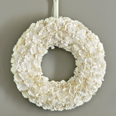 Paper Flower 18 wreath from Ballard designs: Christmas Wreaths, Red Doors, White Flowers, Paper Wreaths, Front Doors, Close Doors, Modern Wreath, Paper Flowers Wreaths, Ballard Design