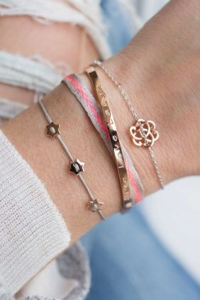 Armparty with handmade bracelet and shiny rose gold plated features. #bracelet #fashion #denim #new1moment WWW.NEWONE-SHOP.COM